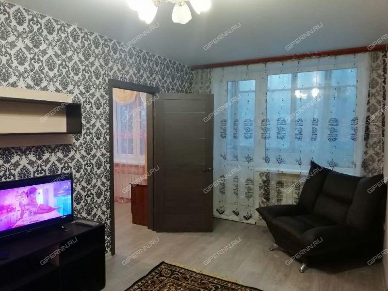 трёхкомнатная квартира на Заярской улице дом 12